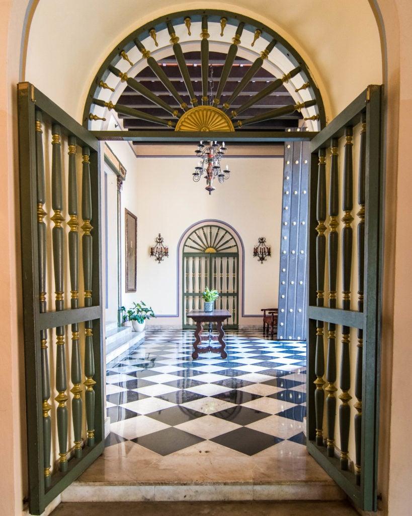 Hotel El Convento entrance