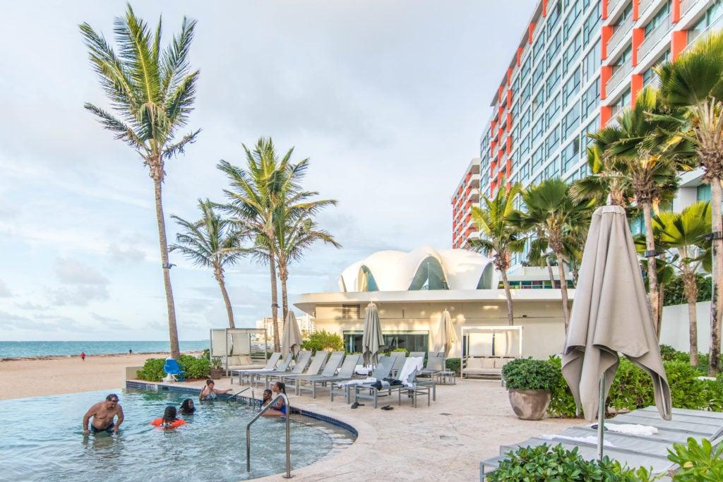 Main infinity pool La Concha Resort San Juan, Puerto Rico