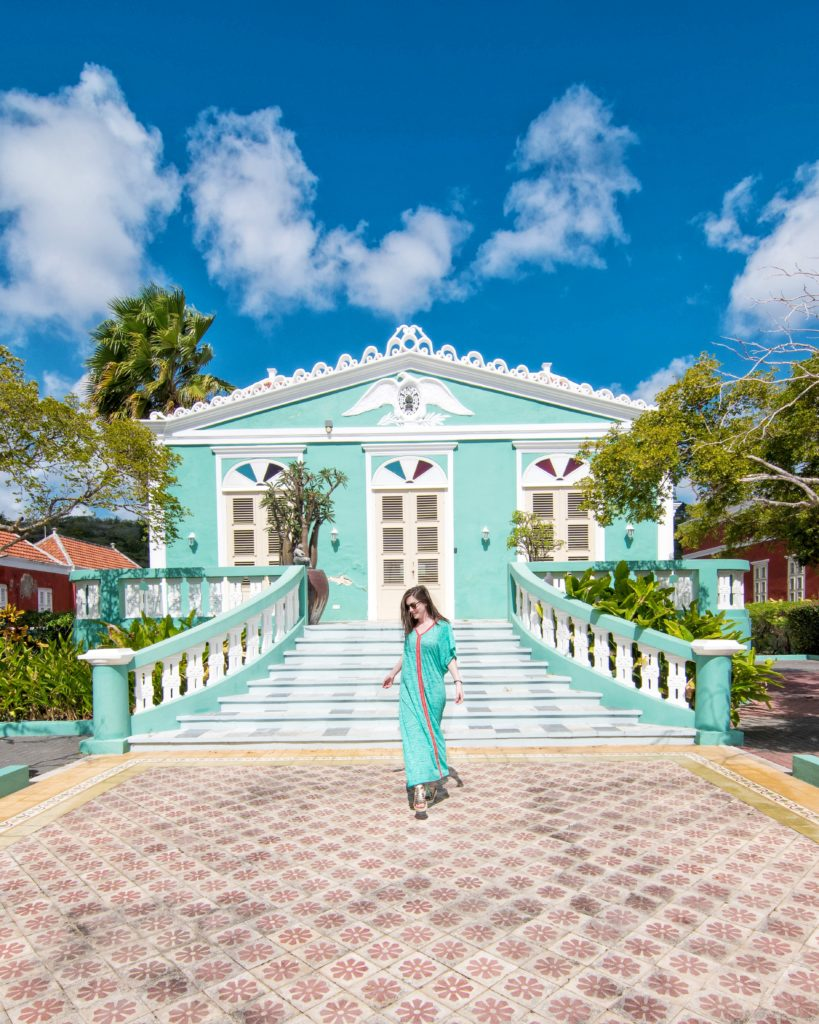 Turquoise colonial home Willemstad, Curaçao