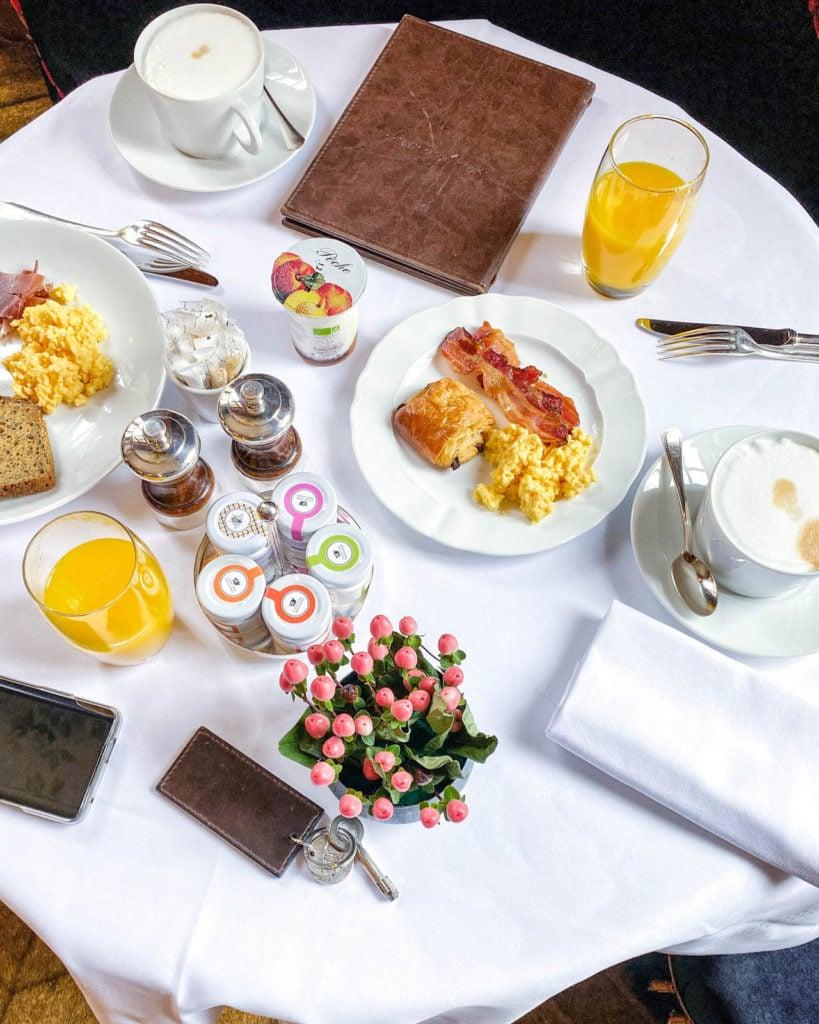 Saint James Paris breakfast buffet