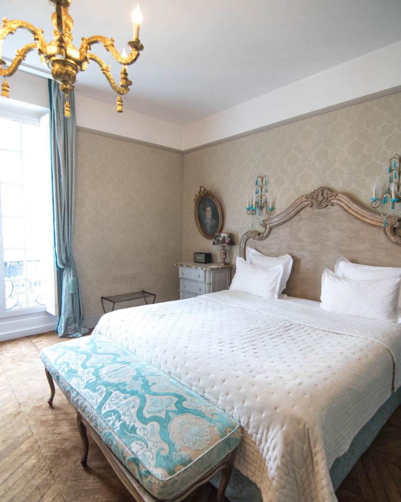 Romantic room at the Saint James PAris