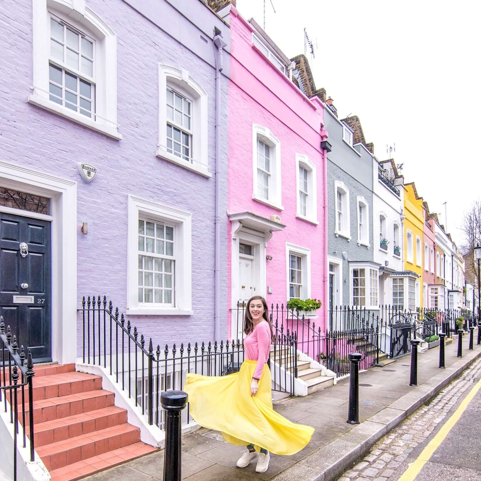 This guide highlights 22 of the most famous London streets, including historic streets as well as the best streets in London for shopping. #visitlondon #europetravel | prettiest places in London | London photography | London travel | London history | Brick Lane | Portobello Road | Abbey Road | Oxford Street | Baker Street | Shaftesbury Avenue | Carnaby Street | Piccadilly Circus | Downing Street | popular streets in London