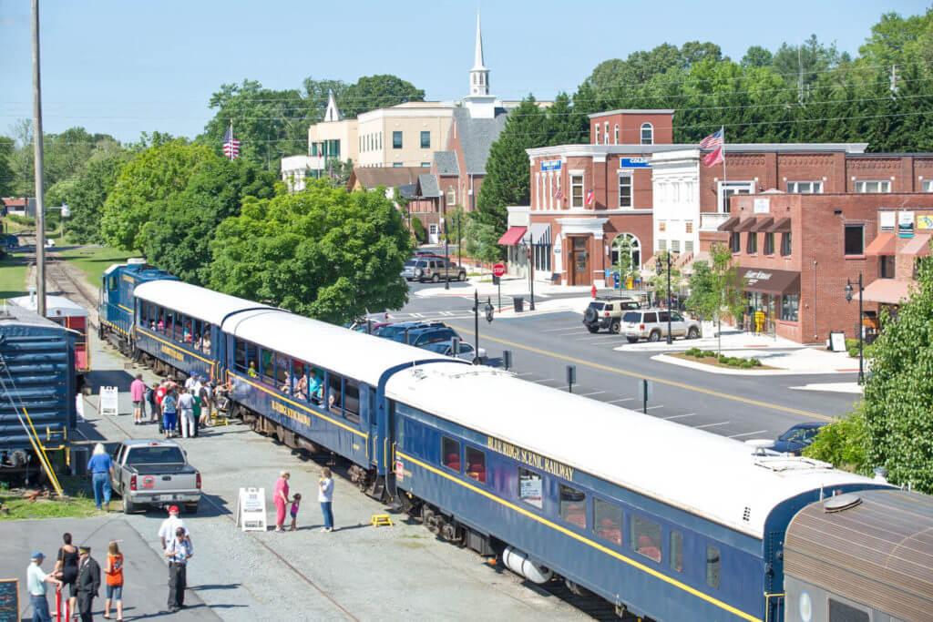 Photo of the Blue Ridge Scenic Railway boarding passengers