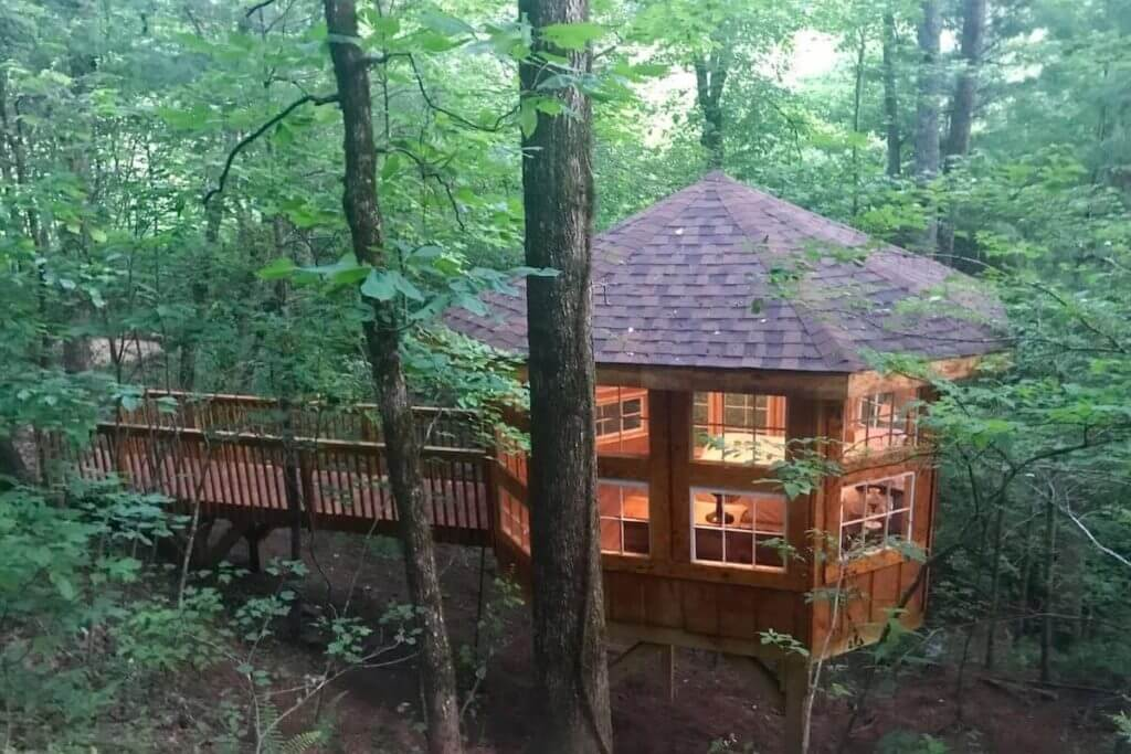 View of Abbie's Waterfall Treehouse, showing walkway and bedroom