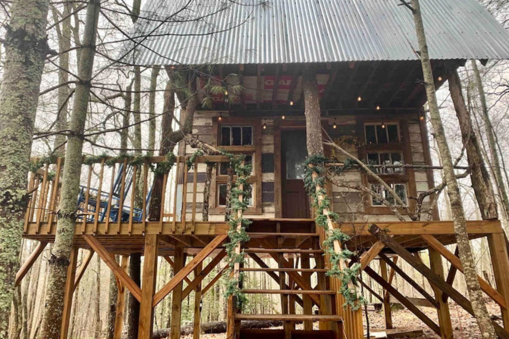 Serenti-tree house in Suches, GA