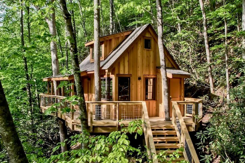 Photo of The Cedar in Treehouse Grove at Norton Creek and the stairs to reach the treehouse