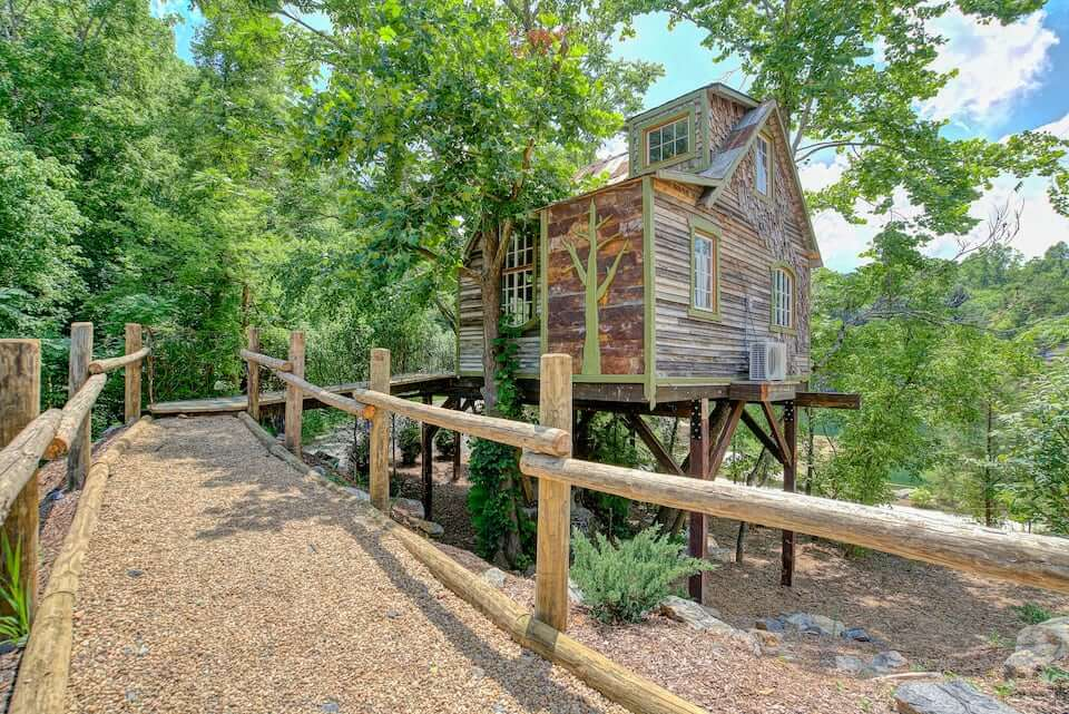 A view of the walkway and façade of The Bostonian Treehouse in Johnson City, TN