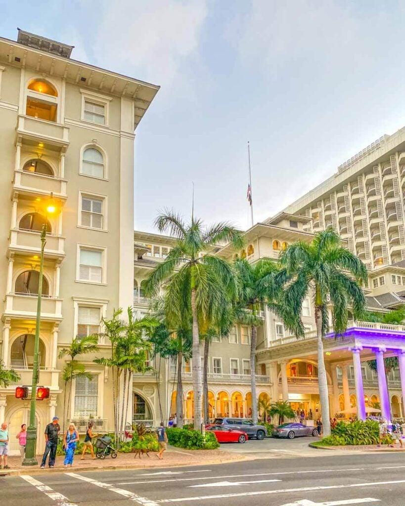 Front façade of the Moana Surfrider hotel in Waikiki Beach
